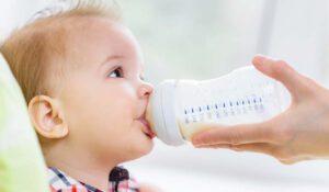 Yenidoğan Bebeklerin Beslenmesi