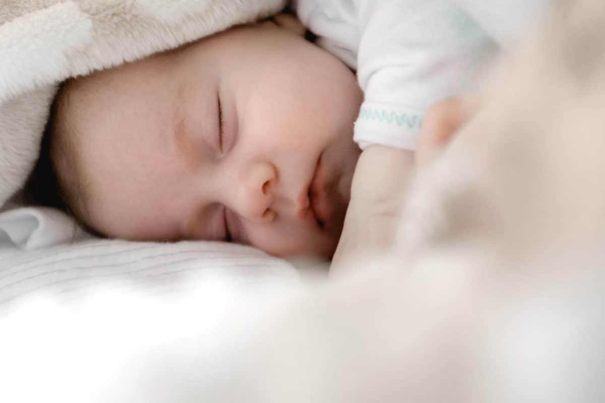yenidoğan uyku düzeni